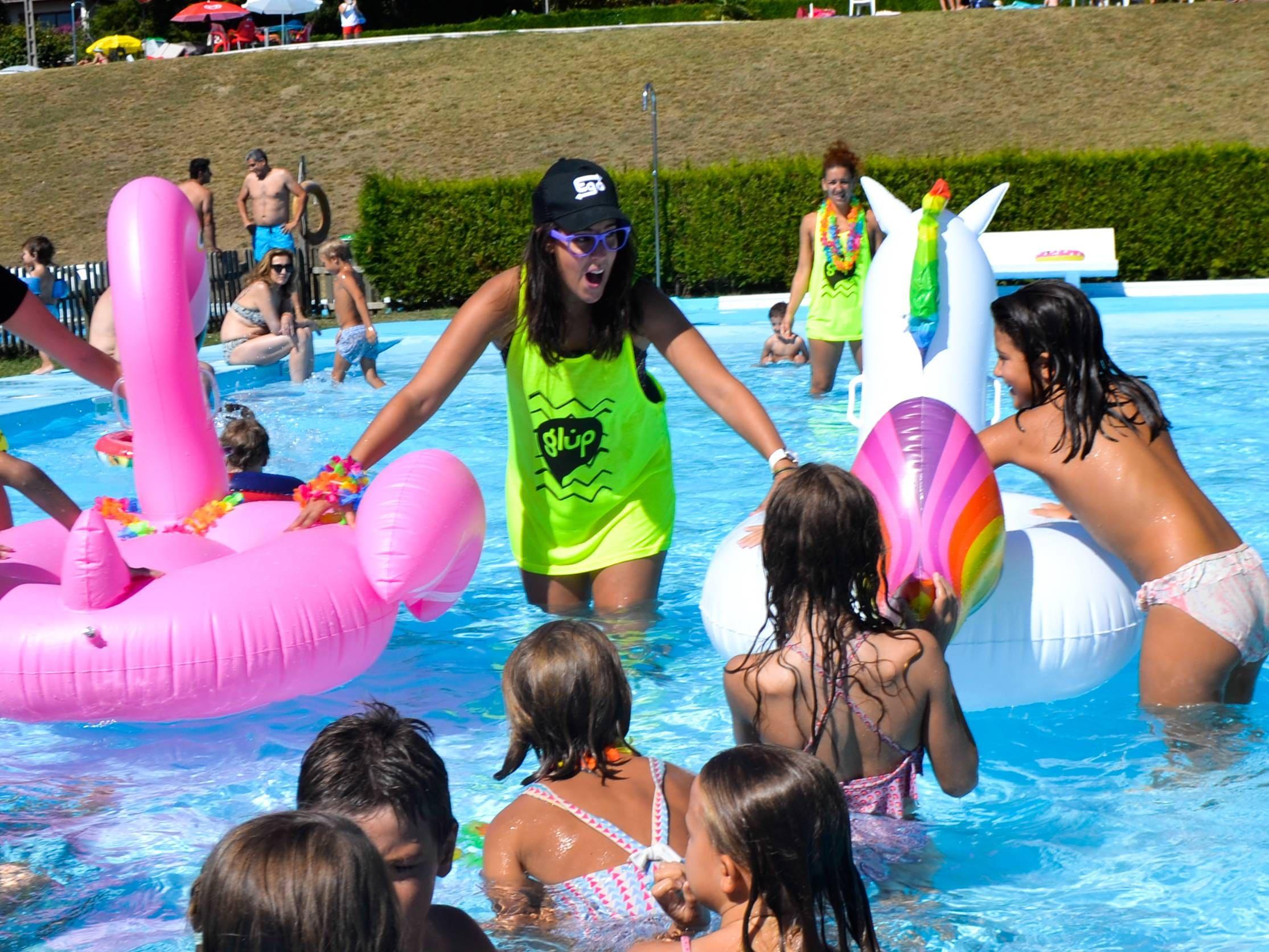 Animación infantil en piscina
